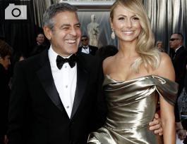 George Clooney y Stacy Keibler.