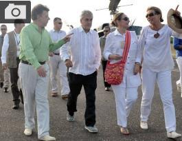 Sebastián Piñera, Juan Manuel Santos y sus esposas rumbo a Ciudad Perdida