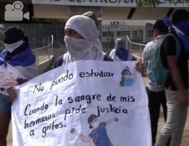 Estudiante protestando