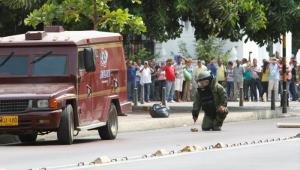El carro de valores fue asaltado con artefactos explosivos falsos.