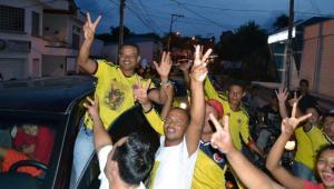 Con una caravana por las diferentes calles de Sincelejo seguidores del presidente Juan Manuel Santos celebraron el triunfo en las urnas.