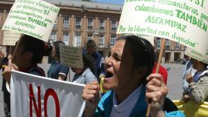 Las víctimas del conflicto armado exigen que se vele por sus derechos.