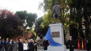 Según lo leído, no hubo tino en Madrid para escoger la fecha de inauguración de la estatua a Blas de Lezo. Por eso en Barcelona están bravos.