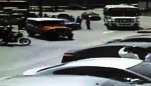 Fueron tres sujetos en dos motos los que participaron en el robo y asesinato del policía Robinson Prieto en Pie del Cerro. Quedaron registrados en videos de seguridad.