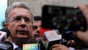 Álvaro Uribe Vélez, senador.