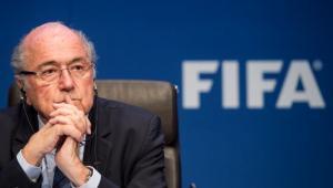 Joseph Blatter trabaja en reformas para la FIFA.