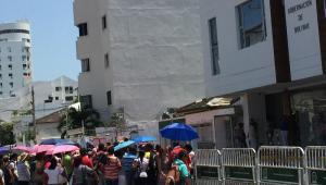 Docentes de Bolívar realizan plantón