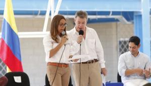 Gina Parody, ministra de Educación, y el presidente Juan Manuel Santos.