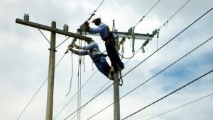 Amylkar Acosta señaló que en la costa Caribe podría presentarse un apagón. El Gobernador de Bolívar sostuvo que ya hay un apagón disfrazado de mantenimiento de redes.