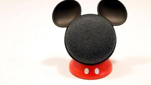 El nuevo dispositivo Google Home Mini (Mickey Mouse)