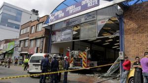 transmilenio carro de bomberos accidente en bogota