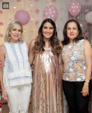 Gina Benedetti, Martha Vélez, Mariana Dávila-Pestana, Alicia Vélez y Patricia Bermúdez.