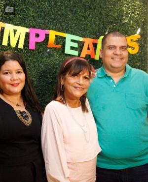 Belinda Senior, Toñita Jiménez y Marcos Triana./