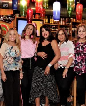 Katia Estor; Martha Zúñiga, Myriam De Lourdes, Marta Mejía, Mayra Rodríguez, Martha Barrios, Janeth Gaines e Hilda Cruz.