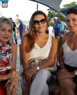Marta Vélez de Tono, Yoli Villa y Clara Morales.