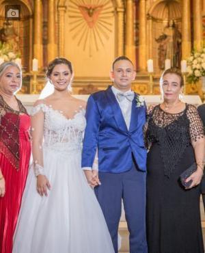 Pedro Silva, María del Rosario Díaz; los recién casados, Alejandra Marcela Silva Díaz y Roberto Enrique Martínez Fernández; Tirza Fernández y Roberto Martínez.