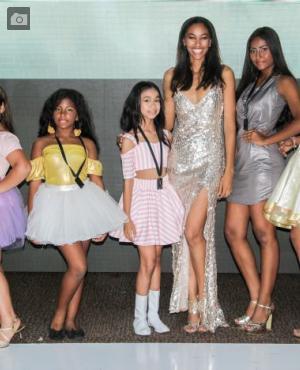 Antonella Herrera, Olga Maya, Isabella Berbesi, Elida Castro, Camila Barrios y Leidy Blanquicet.