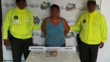Una mujer está entre las dos personas que fueron capturadas por microtráfico de drogas en Santa Rosa de Lima.