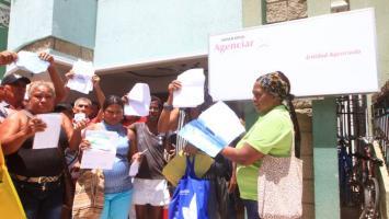 Usuarios de EPS Comparta protestan por falta de servicio.