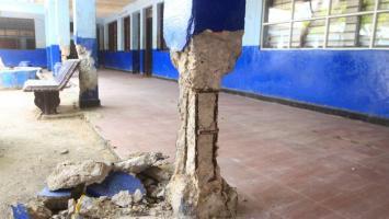 Columnas a punto de colapsar en el San Felipe Neri