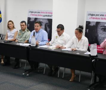Reunión entre Fiscalía, Policía, Alcaldesa de Cartagena y el gobernador de Bolívar con hoteleros para luchar contra la explotación sexual de niños.