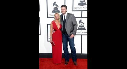 Los cantantes Blake Shelton y Miranda Lambert se divorciaron en julio luego de 4 años de casados. Estas dos últimas parejas que se separaron crearon una nueva: Gwen Stefani y Blake Shelton son novios.