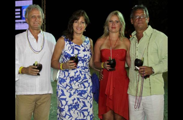 Fiesta en la Playas del Hotel Las Américas