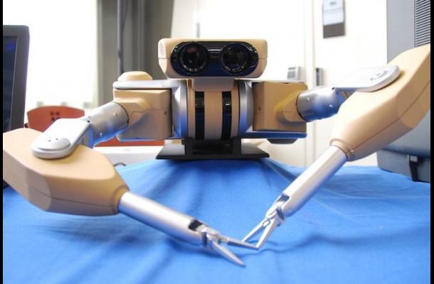 """""""Taurus"""" fue el primer robot que se creó con tecnología para desactivar bombas y ahora """"Startup"""" viene mejorado principalmente para procesos quirúrgicos."""