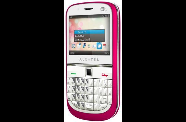 Alcatel lanza eléfono móvil One Touch 901 de variados colores.