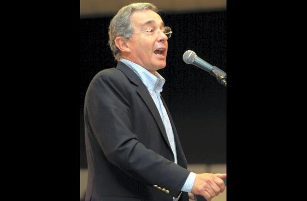 Álvaro Uribe, expresidente colombiano .