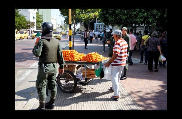 Vendedores en Avenida Venezuela