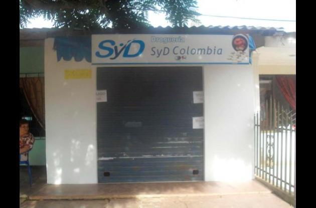 Esta es la fachada de la sede de la farmacia S y D de Colombia