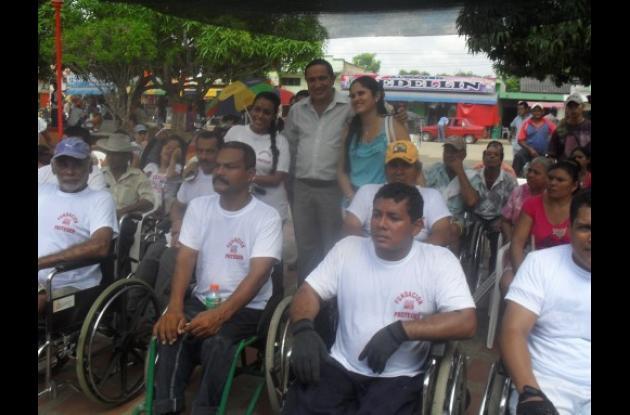 Los ganadores en compañía del alcalde Álvaro Sánchez