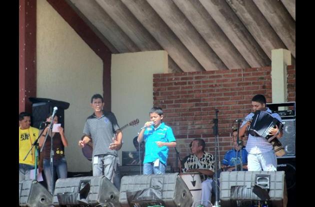 Los hermanos Olea, durante su presentación en el festival de Caimito (Sucre).