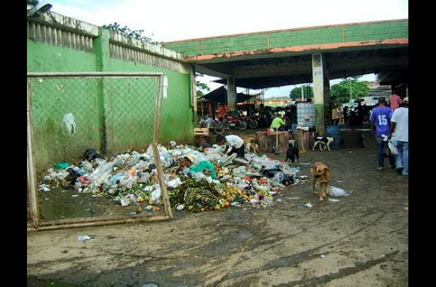 las basuras siguen siendo el común denominador en Montelíbano