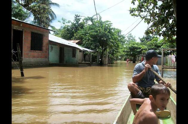 Una vez más habitantes de algunas poblaciones se encuentran inundados