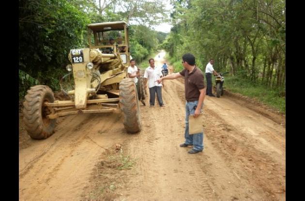 vías rurales del municipio de Pueblo Nuevo.