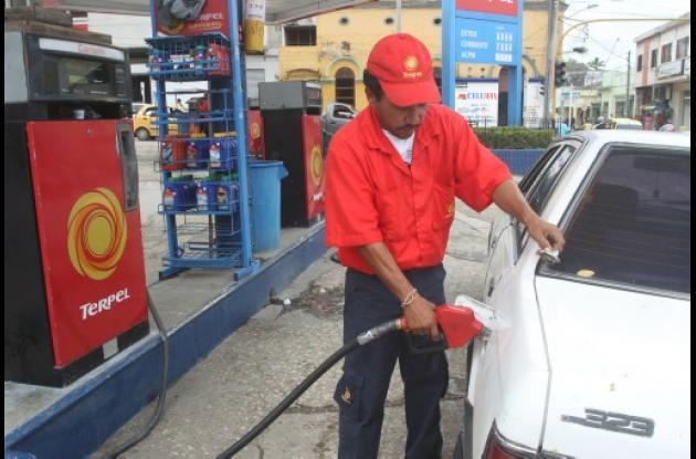 El galón de gasolina subió