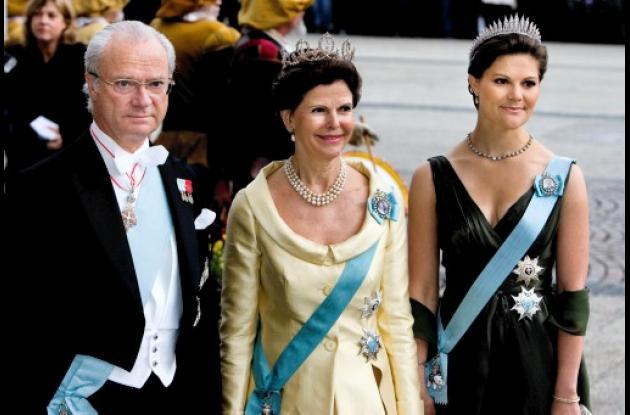 El Rey de Suecia niega escándalo en entrevista