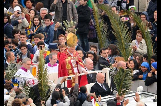Papa Benedicto XVI celebra misa de Domingo de Ramos