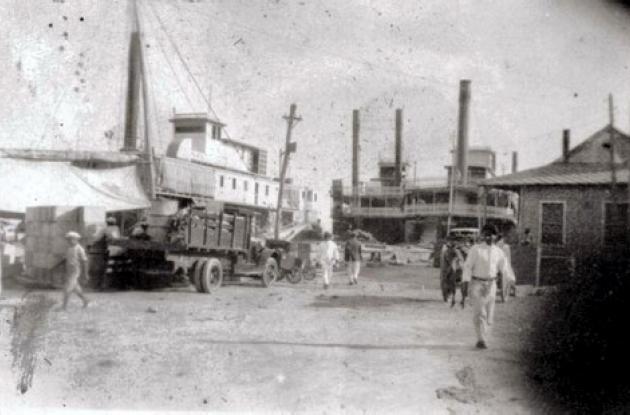 Muelle de la Bodeguita, en 1911.
