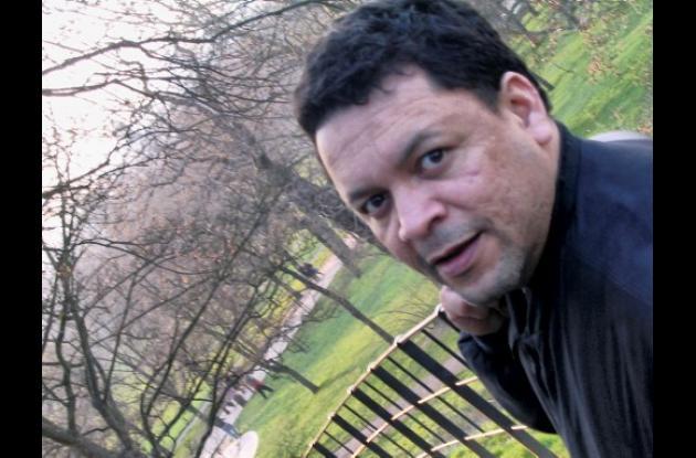 El escritor colombiano Gustavo Arango Toro.
