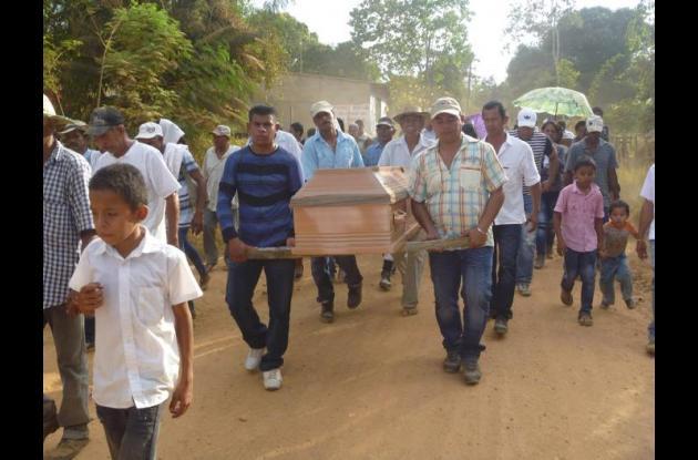 El cuerpo sin vida de Néstor Montes fue trasladado hasta la vereda Costa Rica