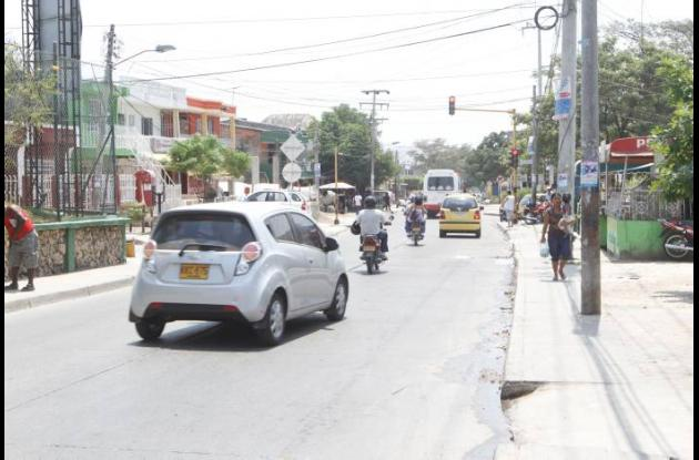 Los sicarios aprovecharon el alto en el semáforo para atentar contra el empresar