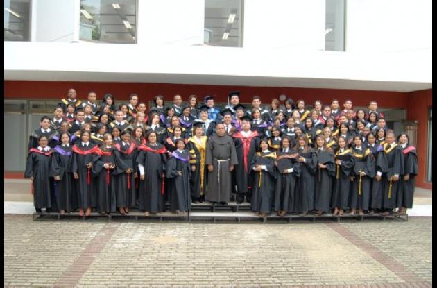 Grados en la San Buenaventura
