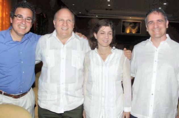 Enrique Félix Zurek, Antonio Ardila, María Isabel Cañas y Javier Zurek.