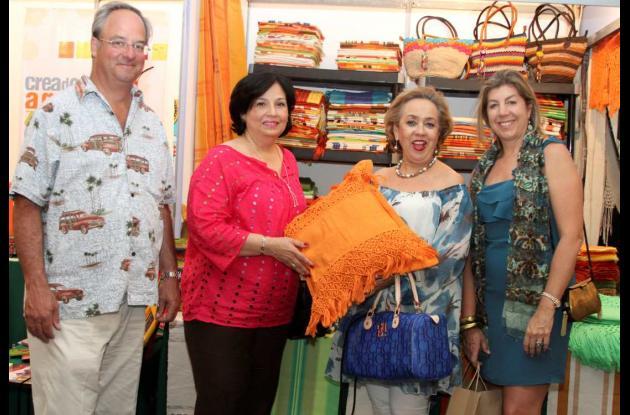 Inauguración de feria artesanal en el Hotel Almirante