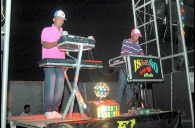 Instantes del picó El Isleño, en el barrio Nariño, de Cartagena.
