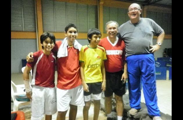 Camilo Porto, Nicolás Muñoz, Jesús Guzmán, Mario Echavarría y Daniel Hollman, pa