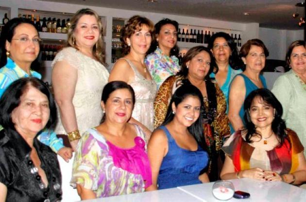 Shower de bodas a Paola Toncel